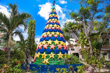Virtual-Staff-Online-Outsourcing-Solutions-Outsourcing-Services-Christmas-Tree-Celebration-at-central-square-in-el-Nido-on-Palawan-island-Philippines